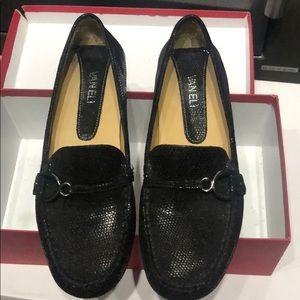 Vaneli Rummy black sprint 7-5 loafers